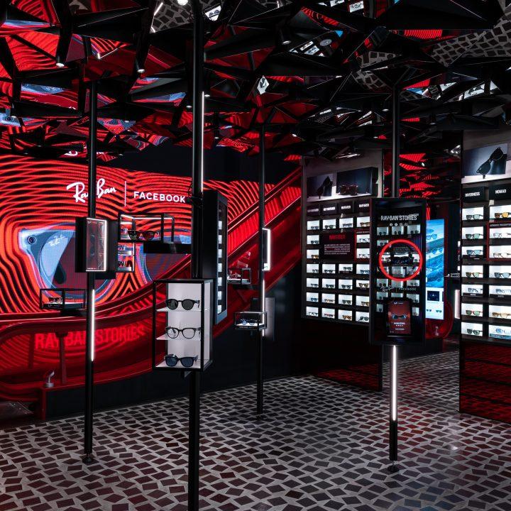 Photo report Ray-Ban - Ray-Ban Store in Napoli - Via Toledo